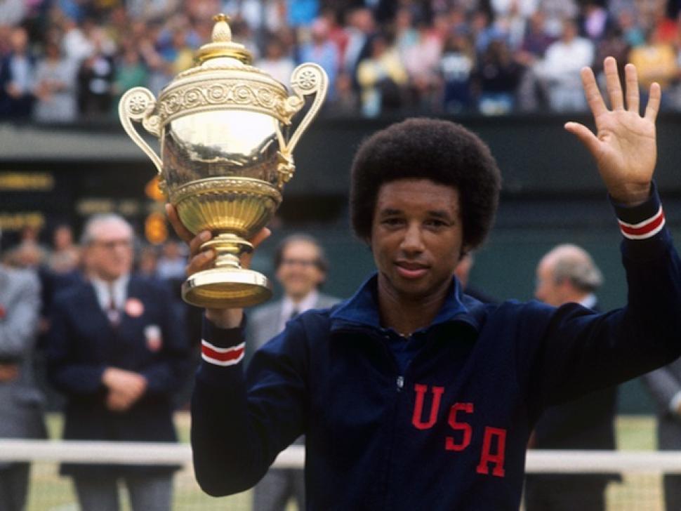 שחקן הטניס ארתור אש. זכה בשלושה תארי גראנד סלאם.